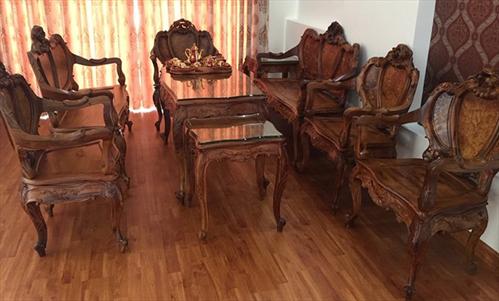 Thiết kế phòng khách kết hợp với bộ bàn ghế gỗ Cẩm Lai