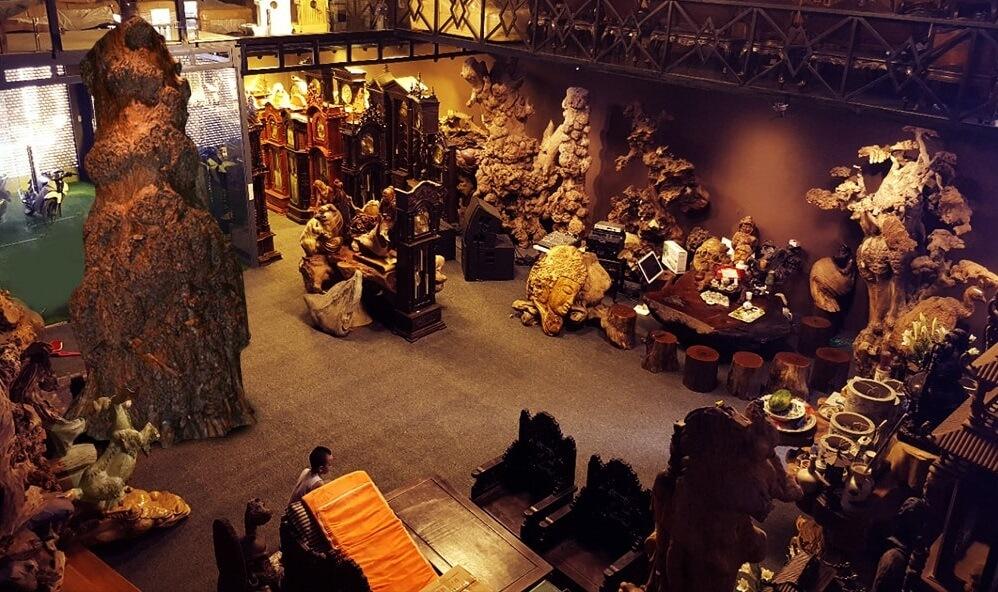 Không gian trưng bày các tác phẩm nghệ thuật từ nhiều loại gỗ quý khác nhau